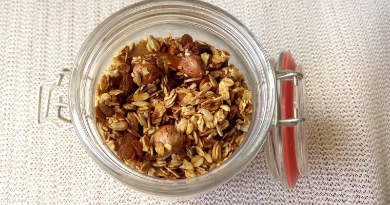 Domowa chrupiąca granola