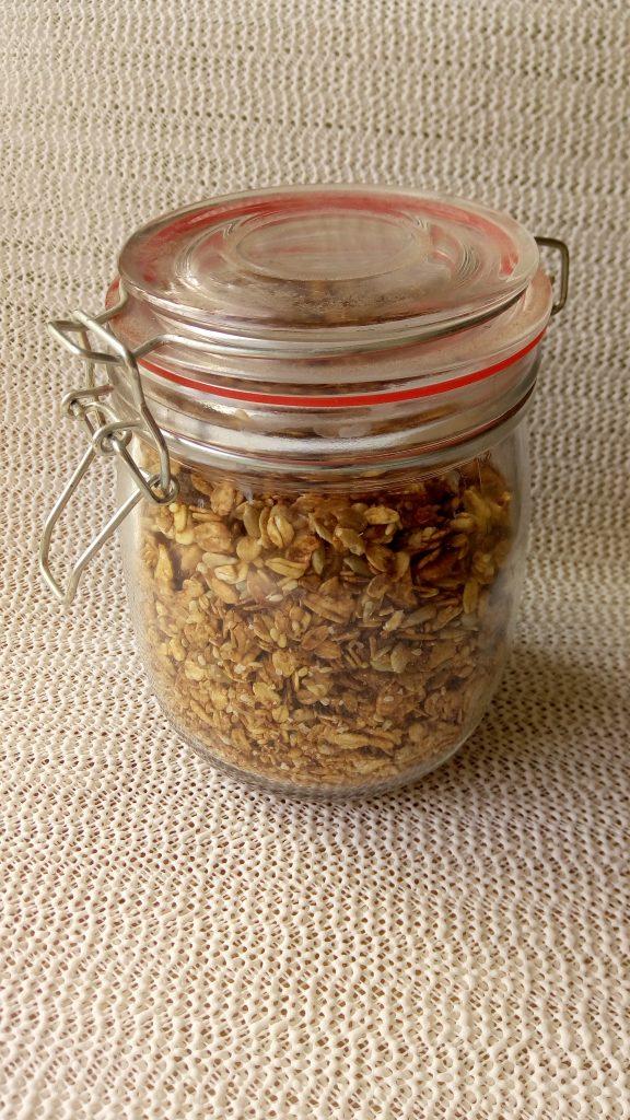 domowa granola w słoiku